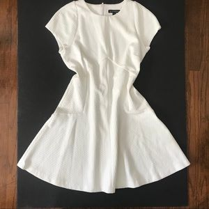 White Banana Republic fit and flare skirt